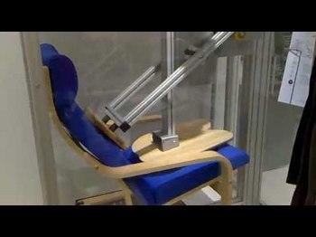 壊れない椅子耐久テスト.jpg